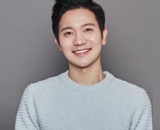 김정근 | 디모스트엔터테인먼트